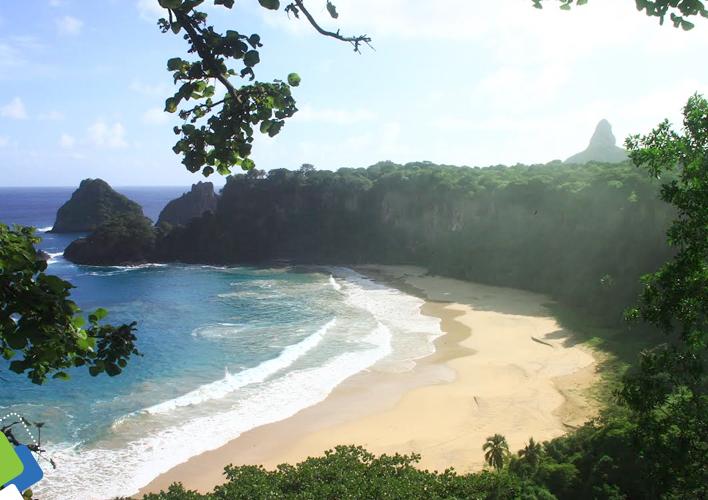 Contemplação das praias da ilha pelo nosso passeio aos mirantes.