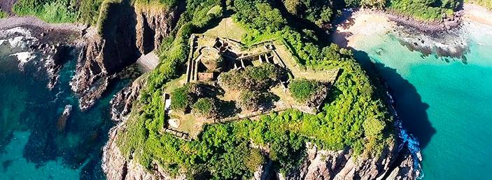 pontos turísticos de Fernando de Noronha_atalaia_passeios