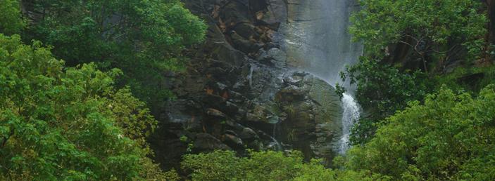 cachoeira da praia do sancho